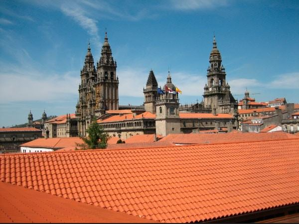 Restauración de tejados en el casco histórico de Santiago de Compostela